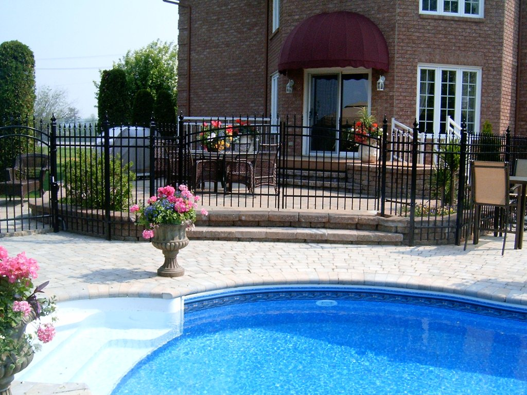 Residential ornamental fences and products cl tures for Cloture piscine