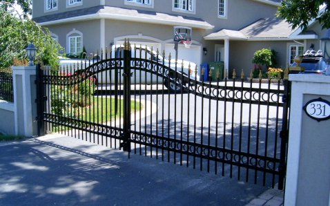 Sliding gates and fences